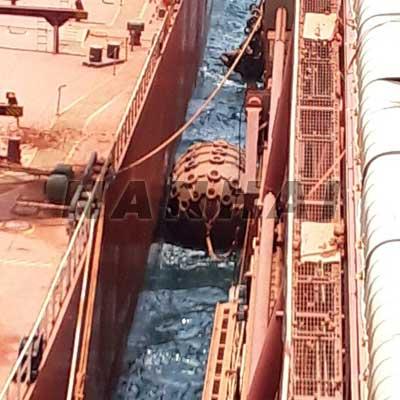 Yokohama-Type-Floating-Marine-Pneumatic-Rubber-Fenders-for-Sts,Boat