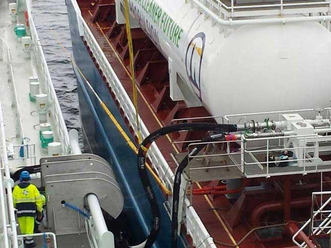 Marine Pneumatic Fender Yokohama Type Inflatable Ship Floating