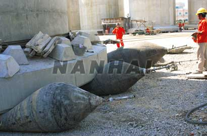High-Performance-Inflatable-Salvage-Balloons-Marine-Rubber-Airbags-for-Ship-Launching-or-Moving