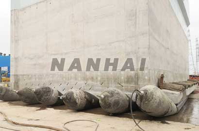 Inflatable-Rubber-Marine-Boat-Lifting-Airbags-Ship-Launching-for-Saling