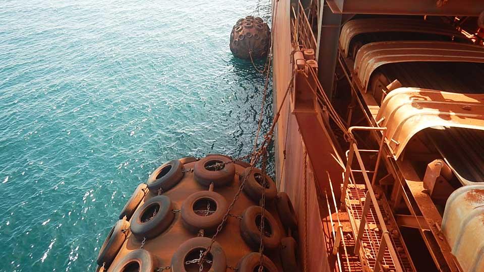 南海-气动护舷