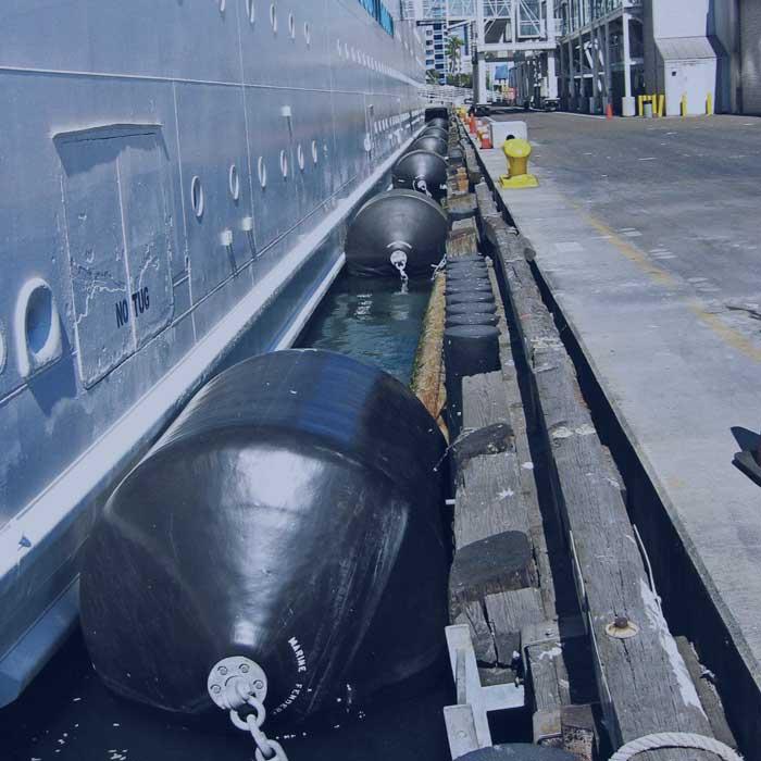 泡沫填充护舷